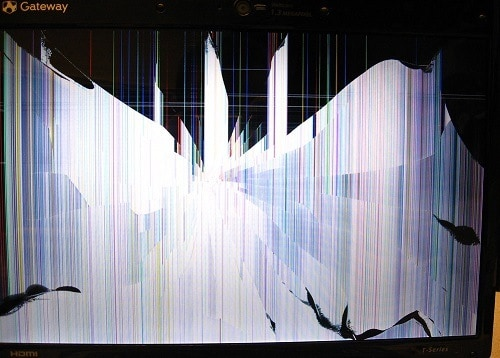 a cracked laptop screen